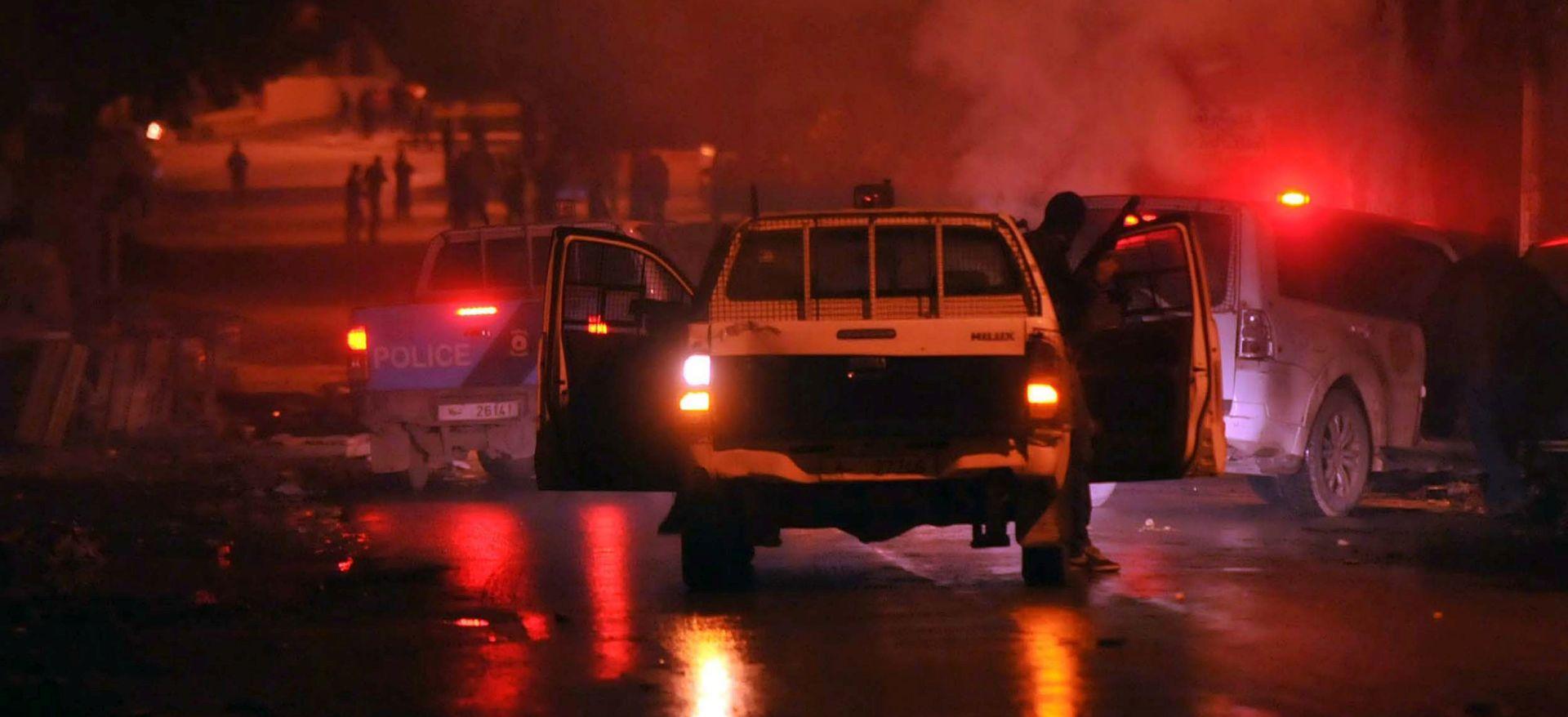U Tunisu treća noć sukoba, više od 300 uhićenja