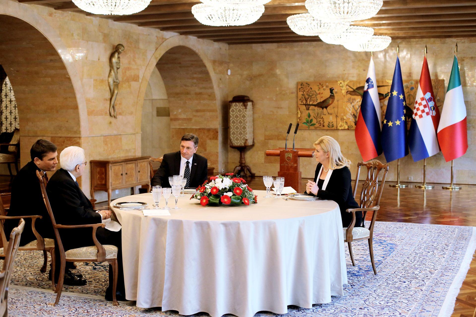 Grabar-Kitarović i Pahor razgovarali i o arbitraži