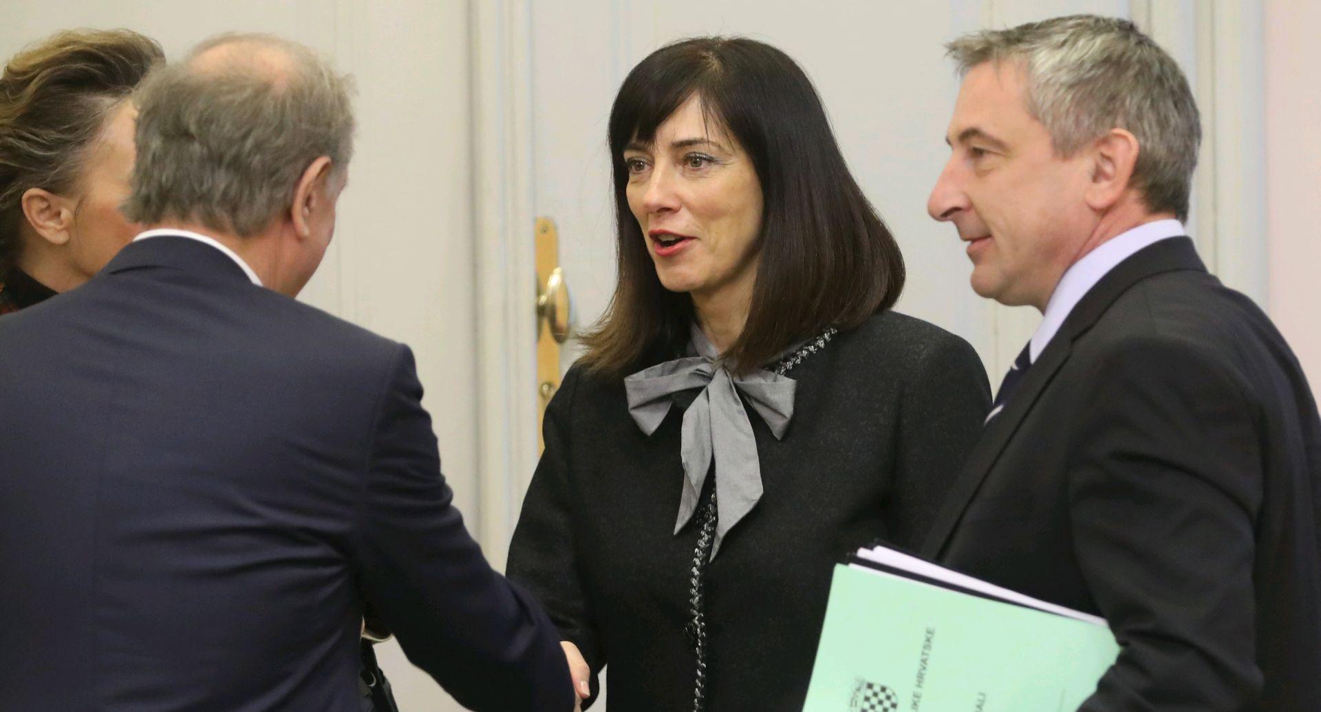 'EK dala podršku kurikularnoj reformi i dodatna financijska sredstva'