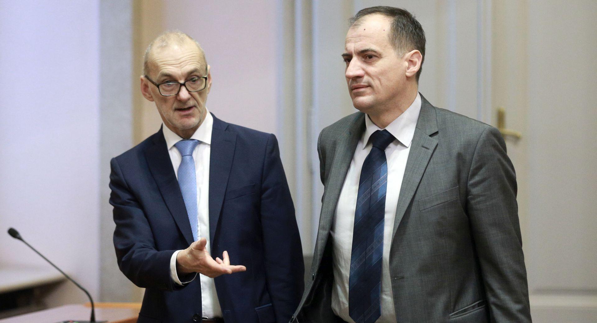 'Poslovnik nije rađen za demokratski parlament'