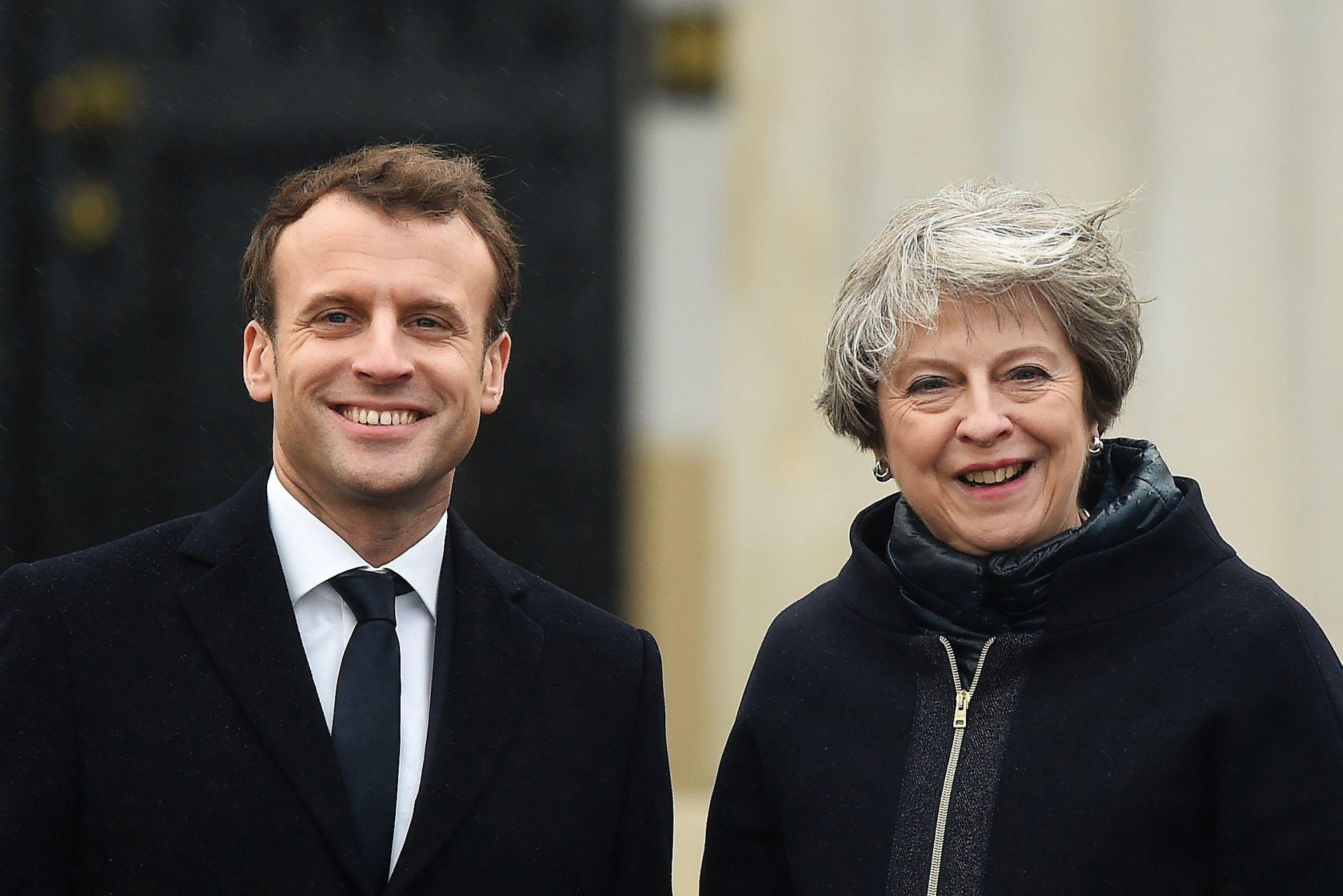Macron i May potpisali ugovor o kontroli imigracije na granici