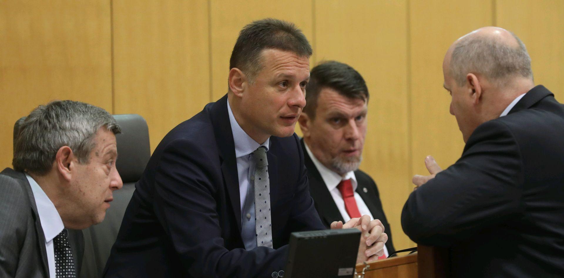 'HNS ima svoje stavove o određenim pitanjima, HDZ svoje'