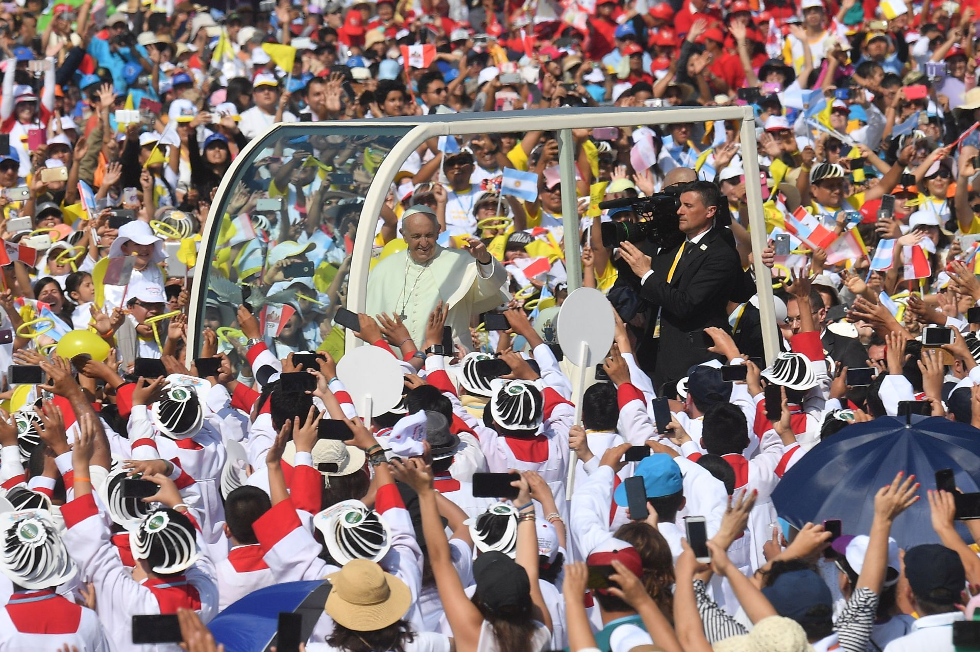 Papa pozvao Peruance da ne gube nadu