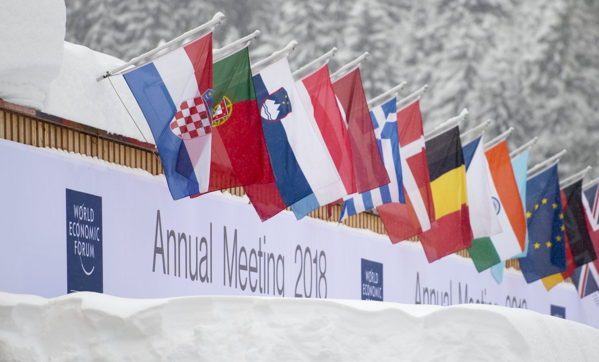 "Davos u znaku snijega, Papine poruke o ""odgovornosti"" i produbljenja jaza"