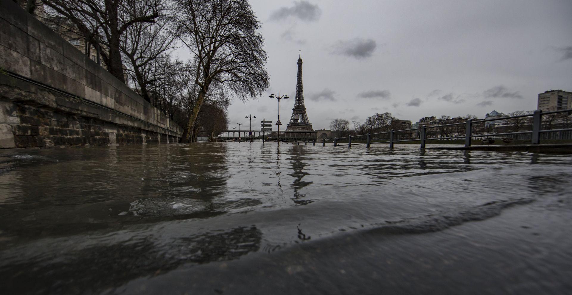 Vodostaj Seine raste, vrhunac se očekuje u Parizu tijekom noći
