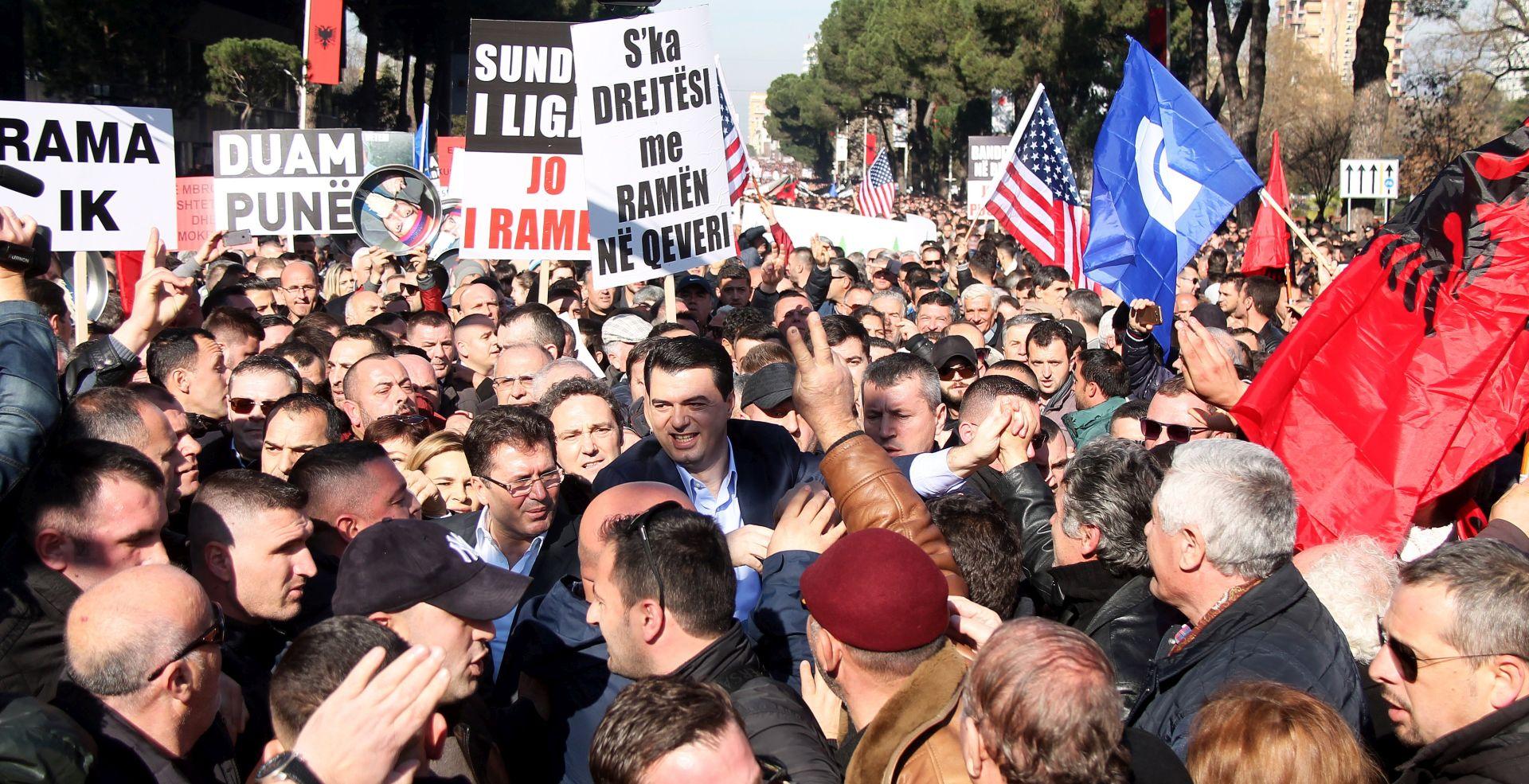 Tisuće prosvjednika u Albaniji traže ostavku vlade premijera Rame