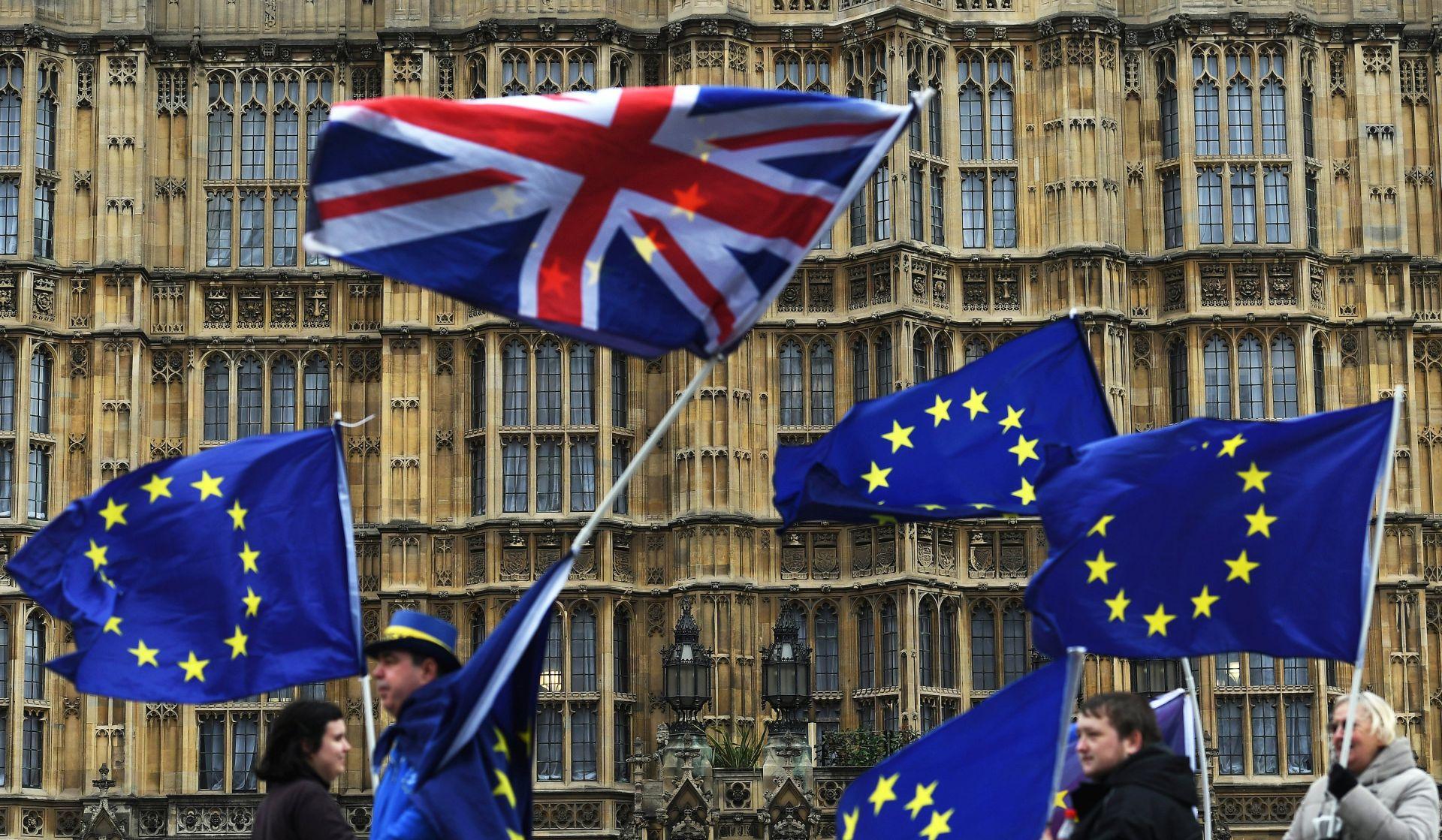 Zbog Brexita navala na britansko državljanstvo