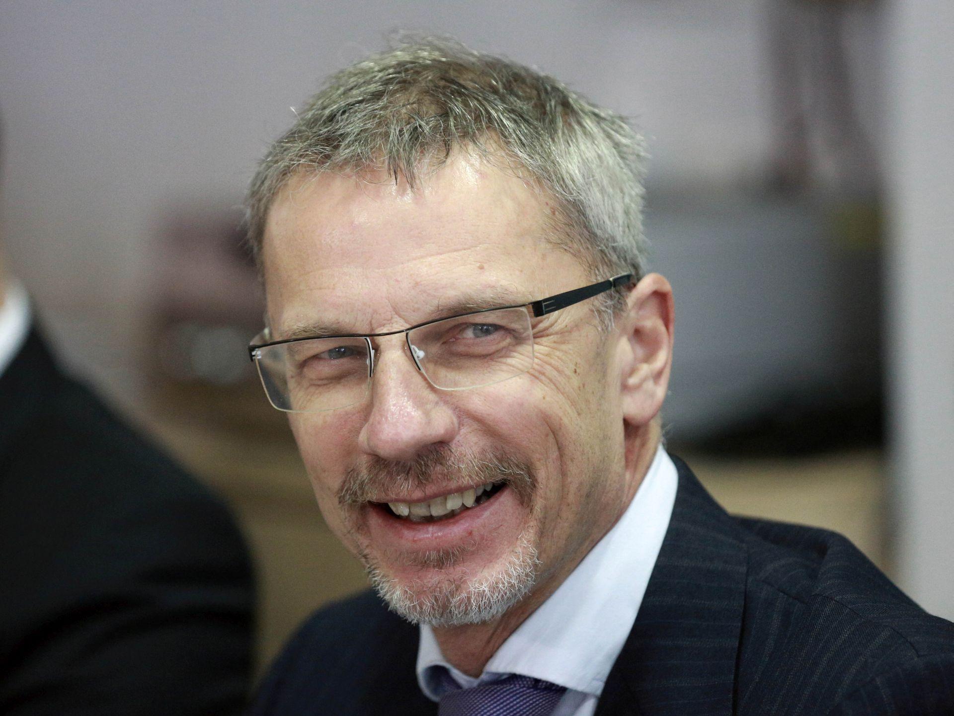 """VUJČIĆ """"Mit je da poskupljuje nakon uvođenja eura"""""""