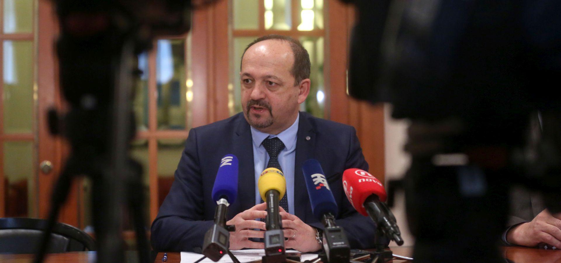 Lovrinović traži izvanrednu sjednicu saborskog Odbora o budućnosti INA-e