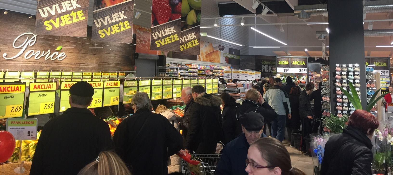 FOTO: Plodine otvorile 81. prodajni centar i zaposlile 45 djelatnika u Gradu Puli