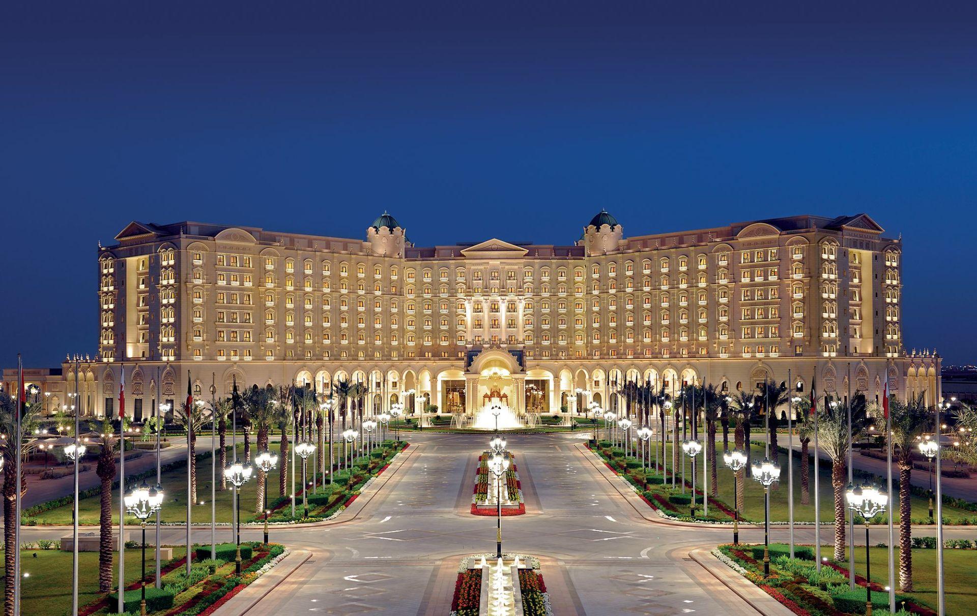 Bogati Saudijci pušteni iz luksuznog hotela nakon što su platili goleme kazne