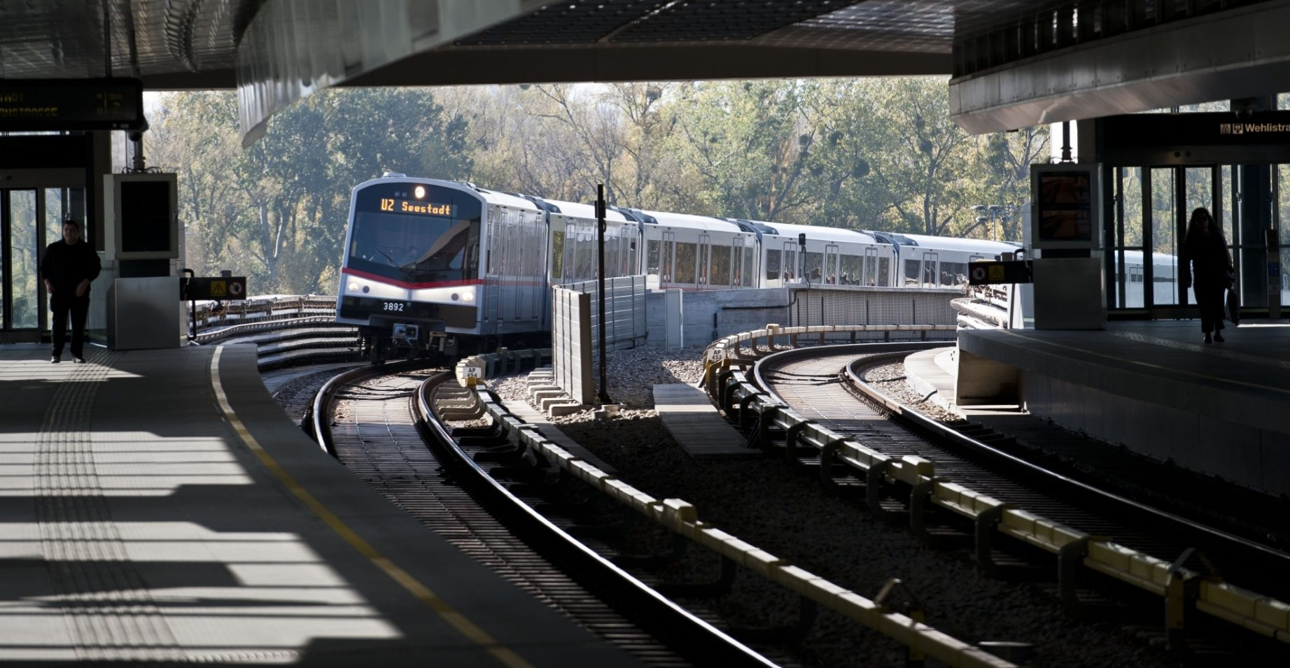 azijski javni vlak za vlakove ogromna grupna orgija