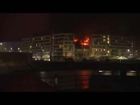 VIDEO: 1400 vozila uništeno u ogromnom požaru u Liverpoolu