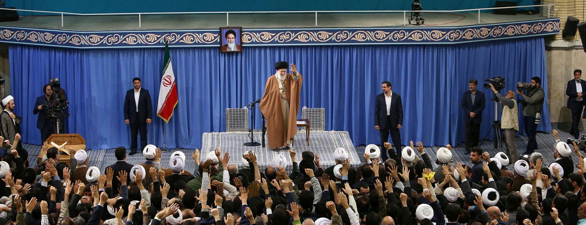 PENCE: SAD više neće potvrđivati ugovor s Iranom