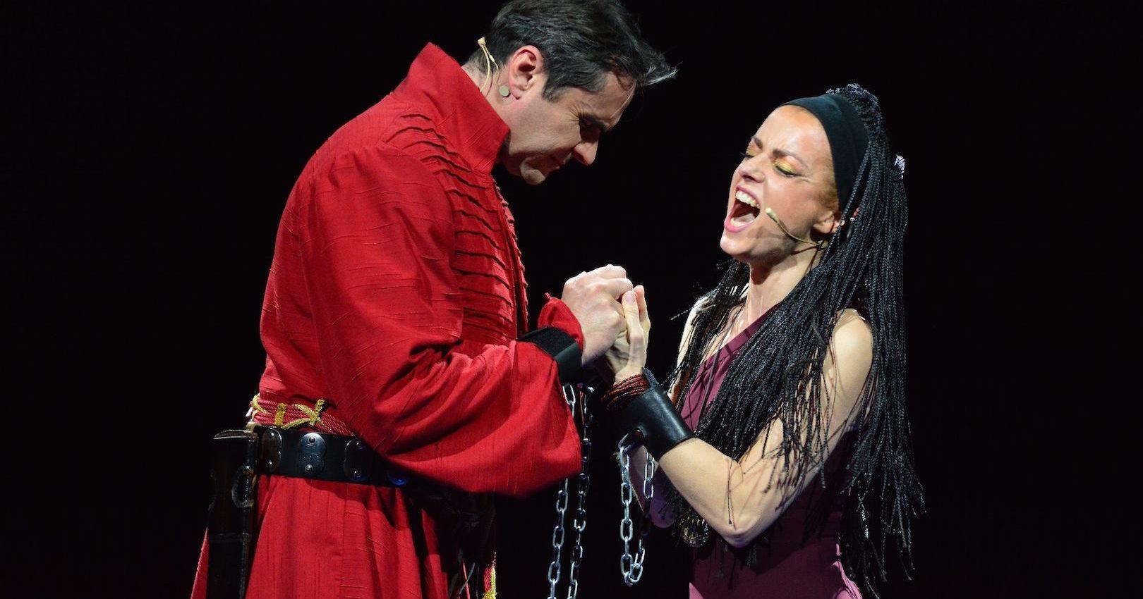 FOTO: Trijumfalni povratak 'Aide' u u Kazalište Komedija