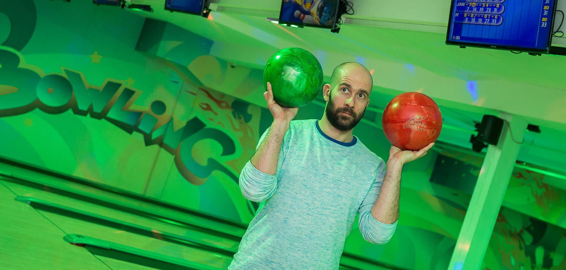 FOTO: Antonija Šola, članovi grupe Colonia, Daniel Bilić i Robert Hromalić okušali se u bowling izazovu