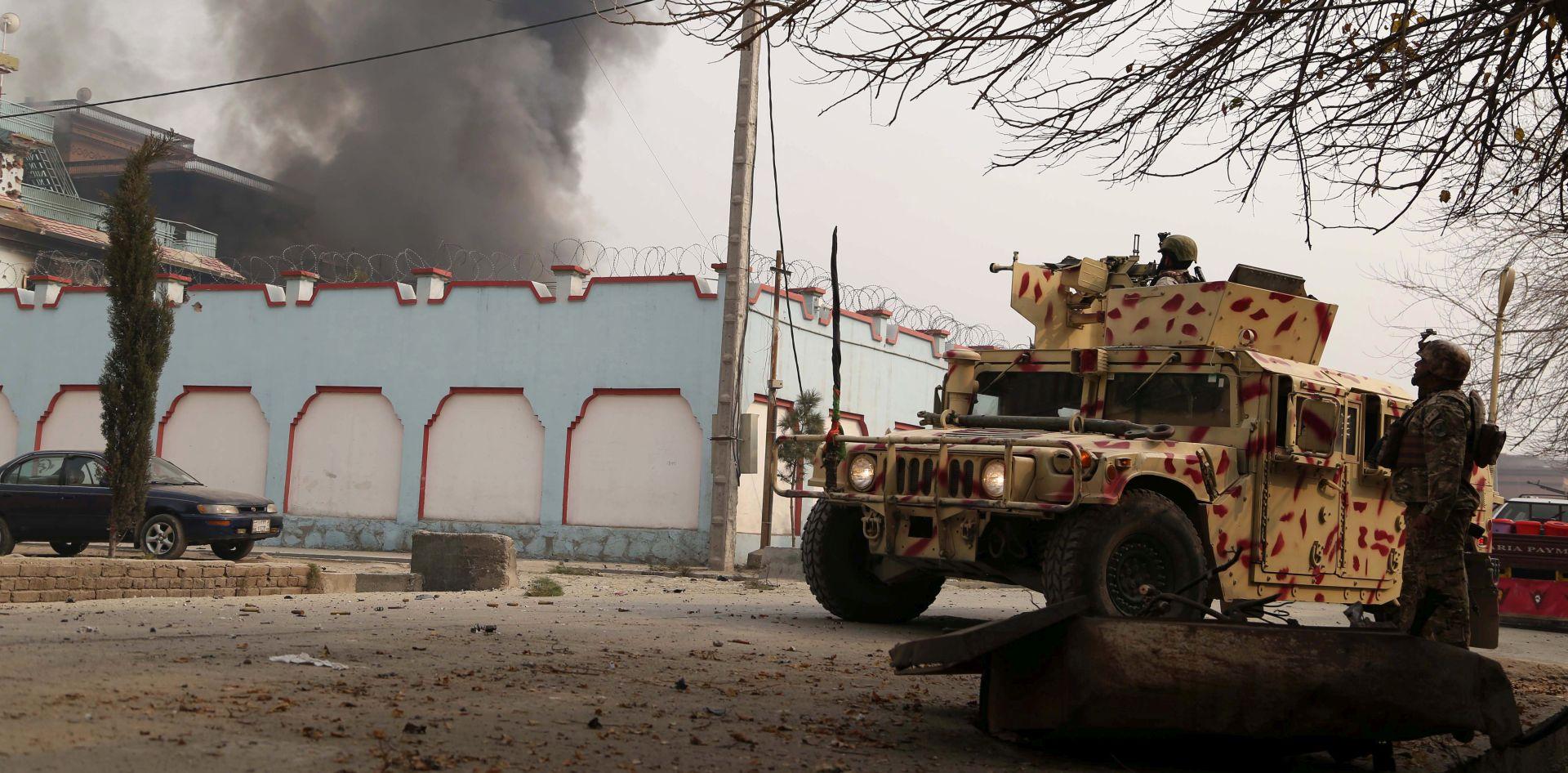 AFGANISTAN Autobus naletio na bombu, 11 mrtvih