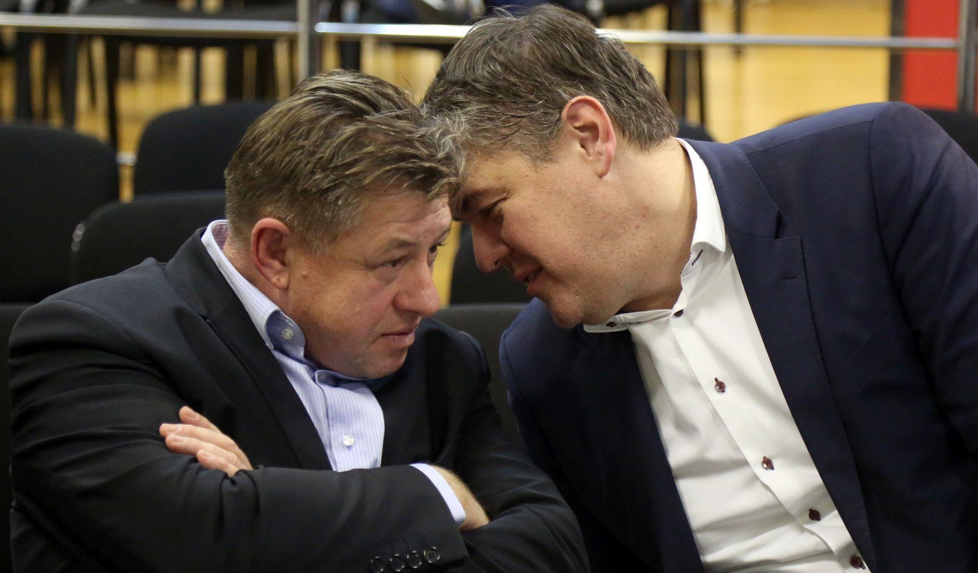 'Očito mnogi rade na rušenju SDP-a'