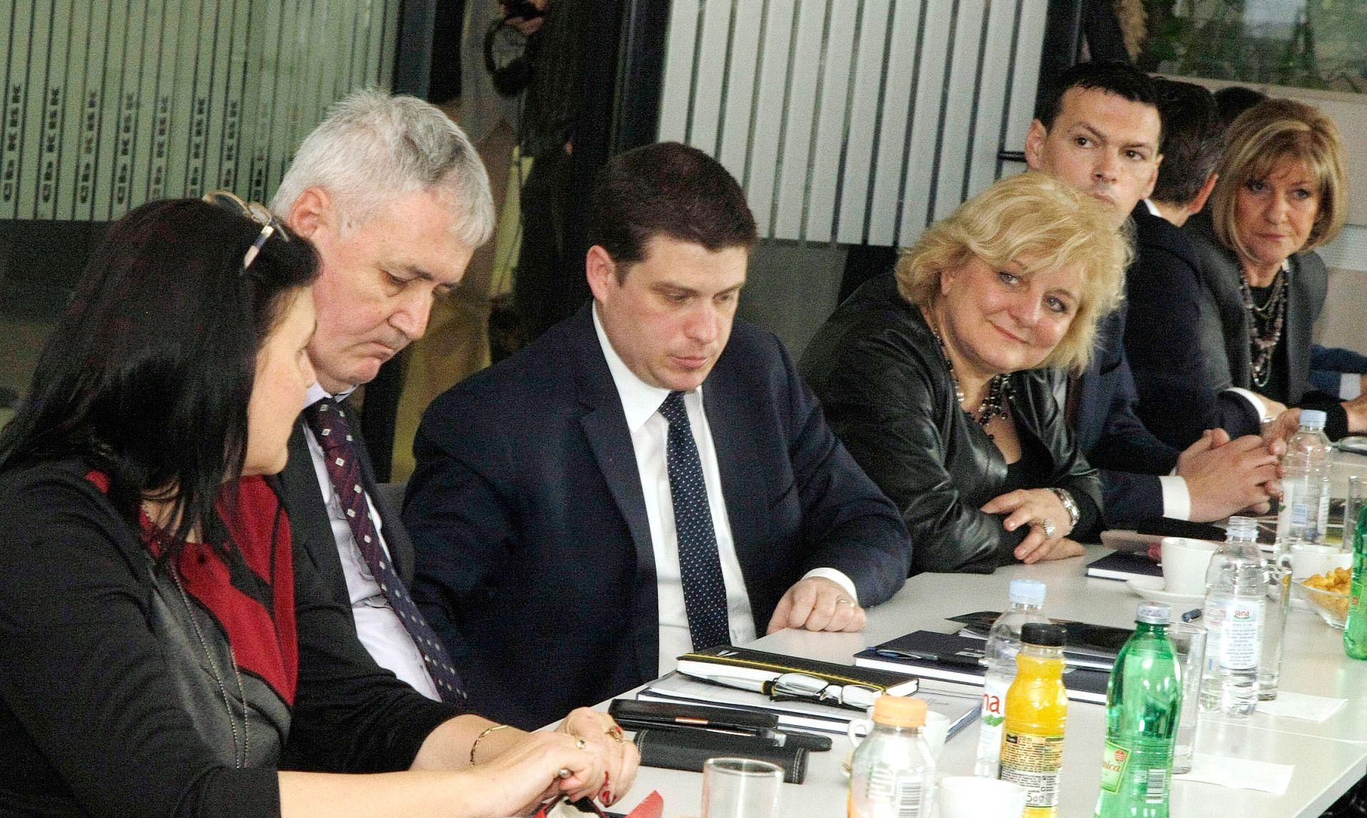 'Postoje prednosti za ukidanje mostarine za Krčki most'