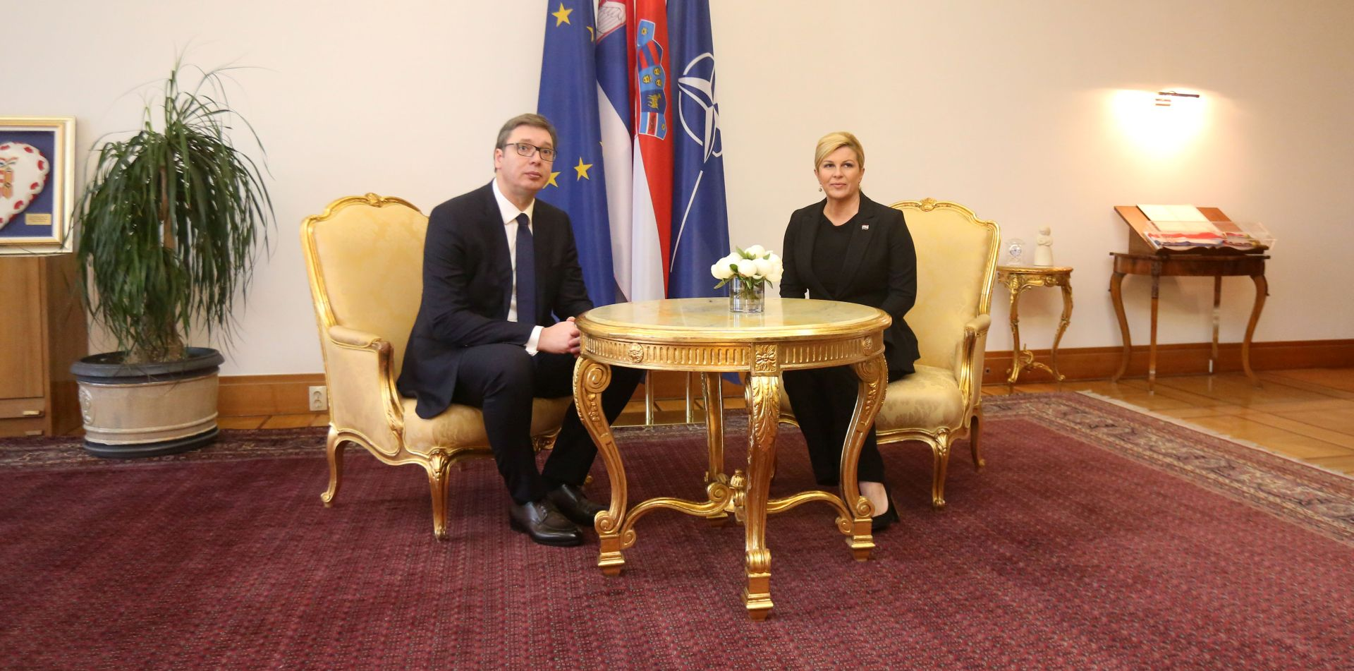 HND: Vučić nema pravo novinarska pitanja proglašavati uvredama, harangama niti izmišljotinama