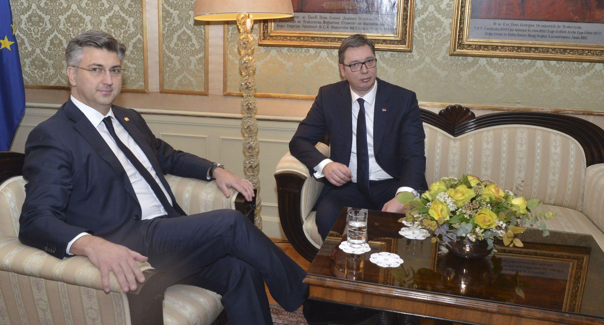RATNA ODŠTETA Suprotstavljena mišljenja Plenkovića i Vučića