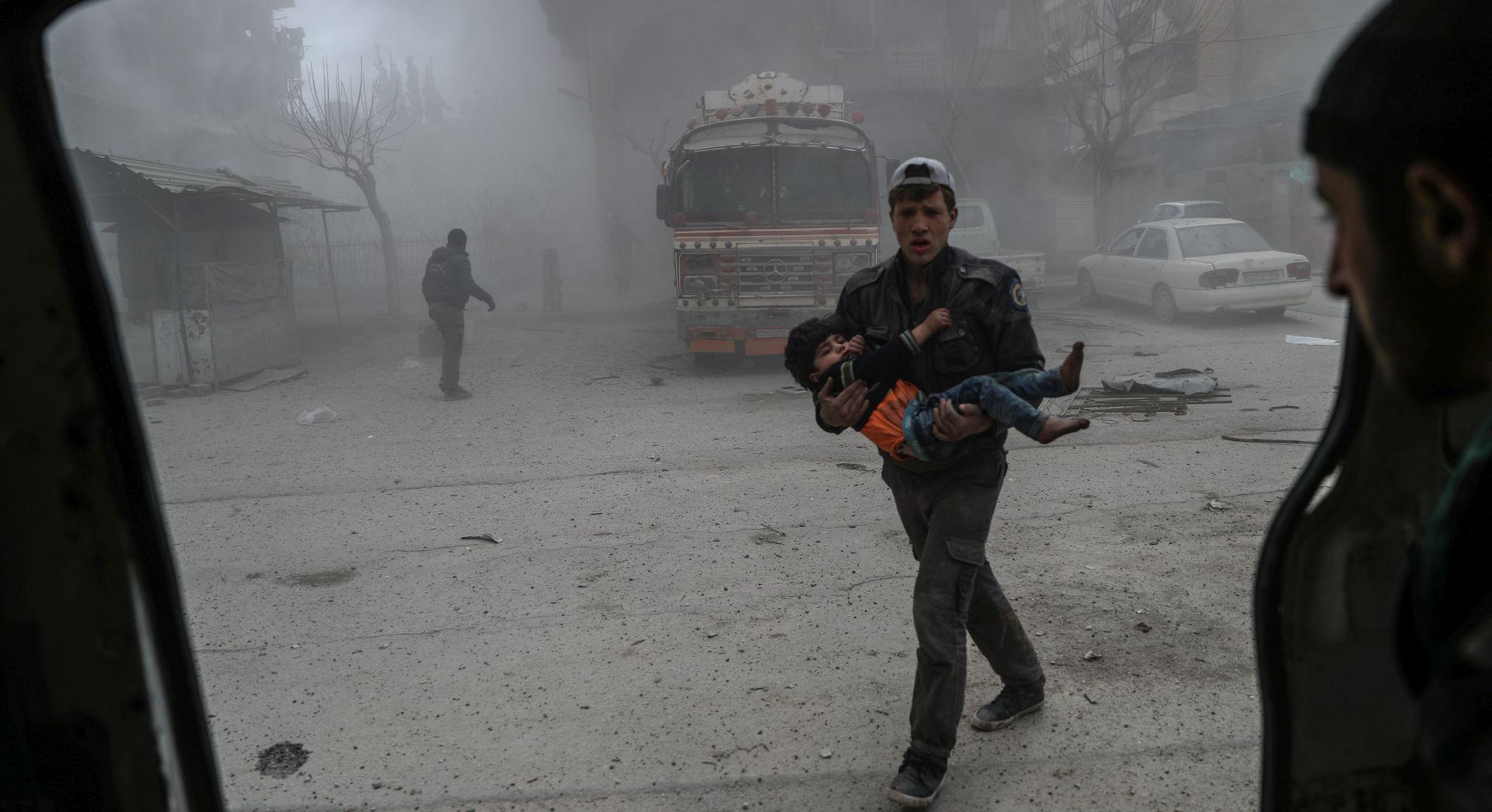 Sirijska vojska opkolila dva grada u Istočnoj Guti