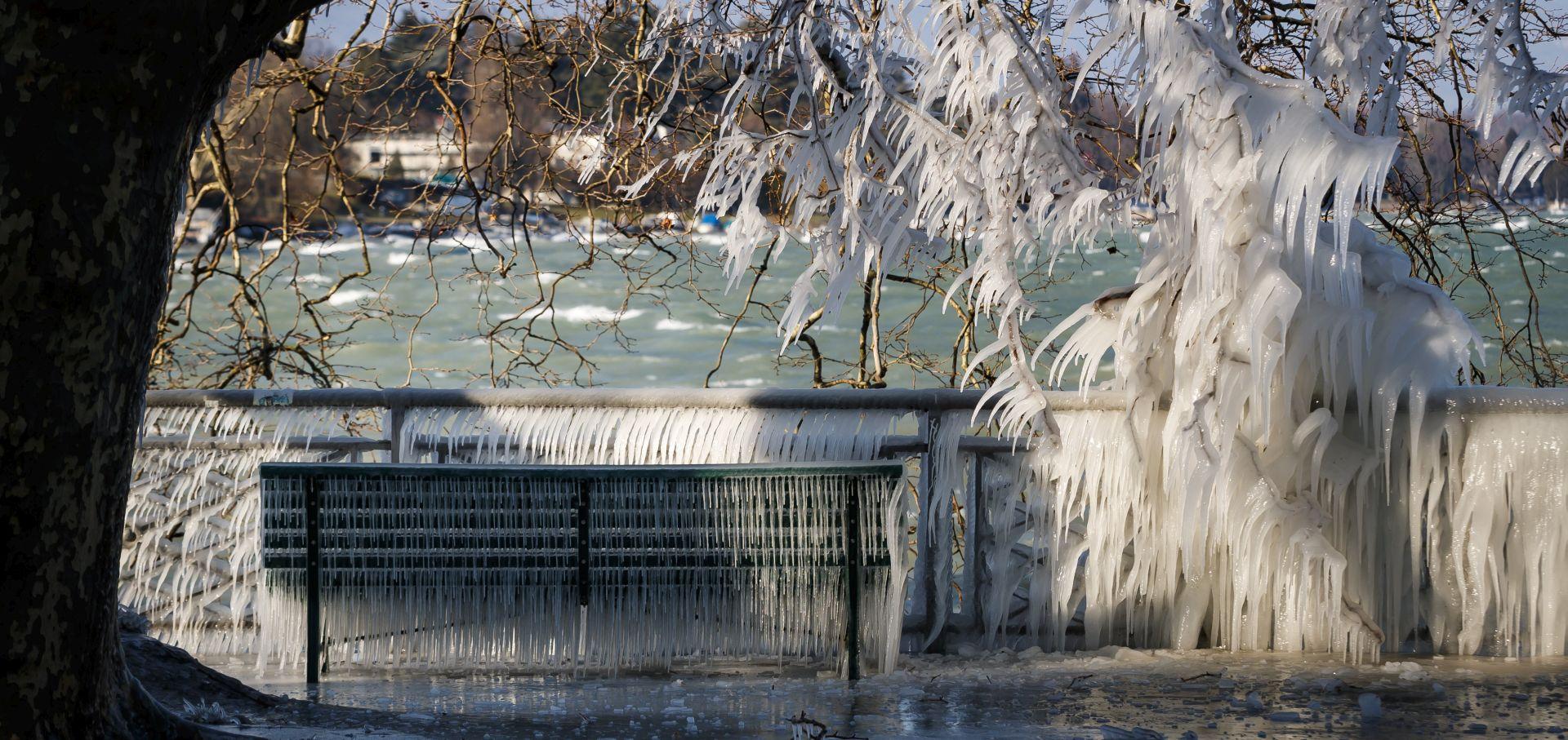 Europu zahvatila sibirska hladnoća, dvadesetak mrtvih