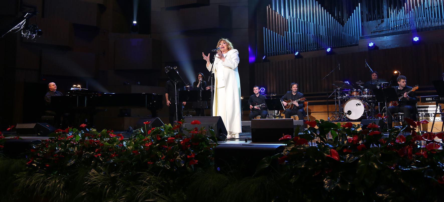 Fotogalerija s jubilarnog koncerta Tereze Kesovije