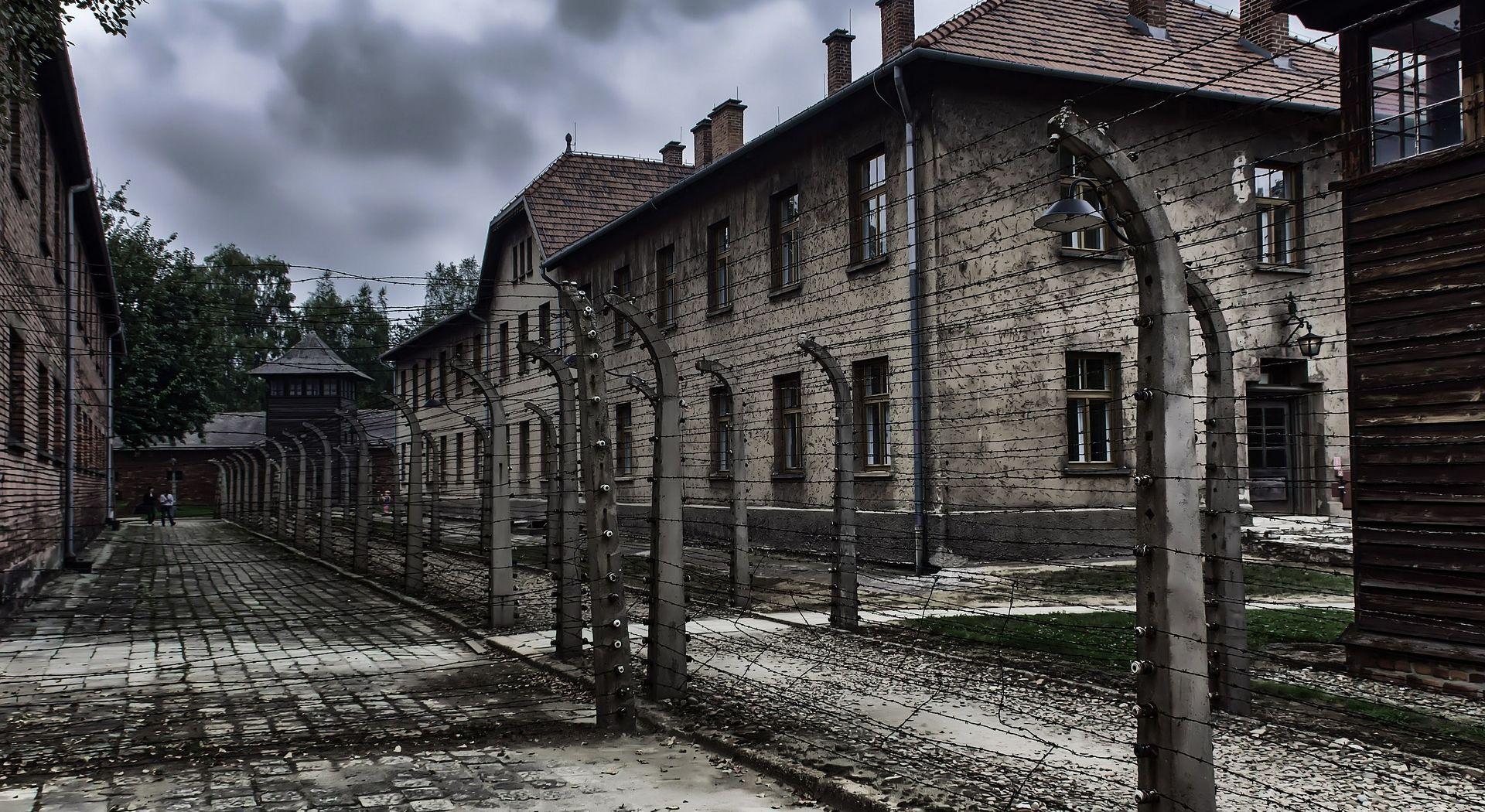 FELJTON Dr. Auschwitz: Sadistički ubojica anđeoskog lica