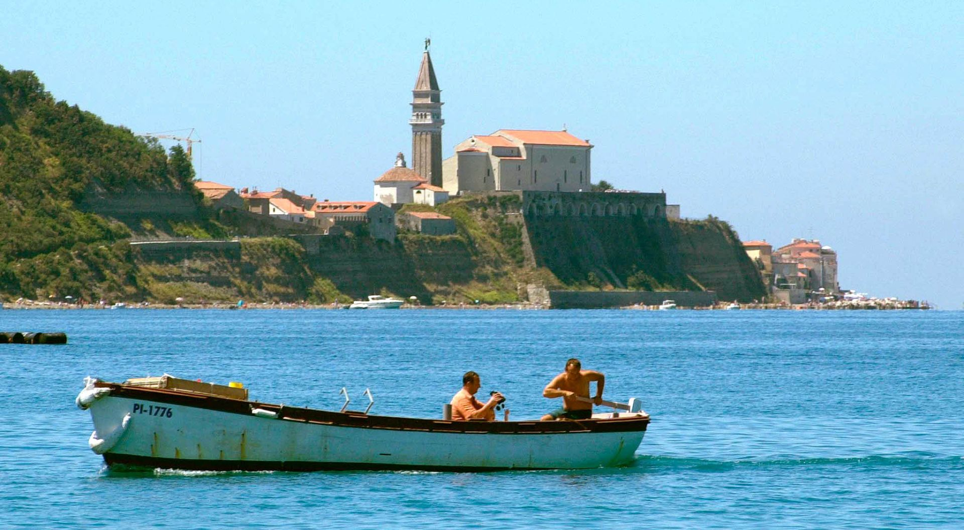 Slovenski ribari dobili prve platne naloge iz Hrvatske