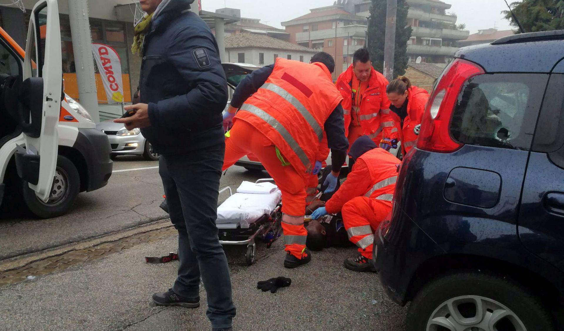 ITALIJA Nekoliko afričkih migranata ozlijeđeno u pucnjavi iz automobila