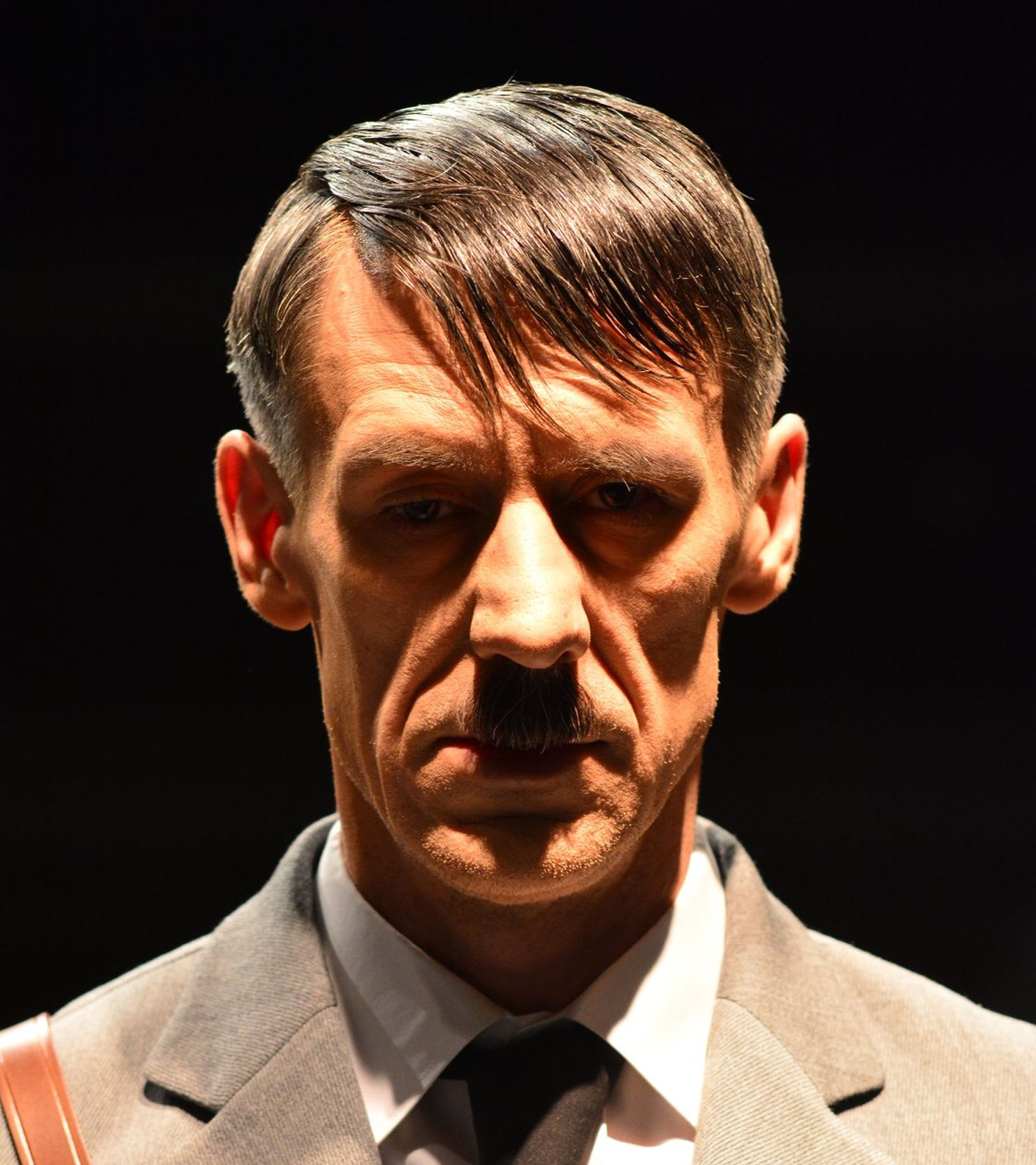 """Satira """"Opet on"""" o Hitleru premijerno u Komediji"""