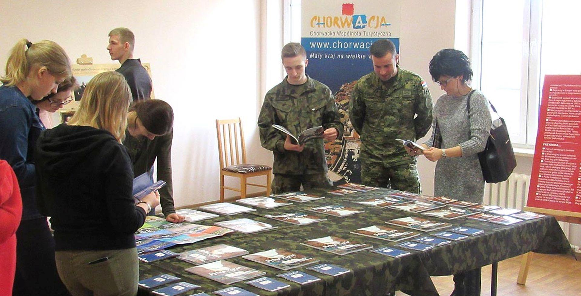 Hrvatski vojnici u Poljskoj sudjelovali u Tjednu hrvatske kulture