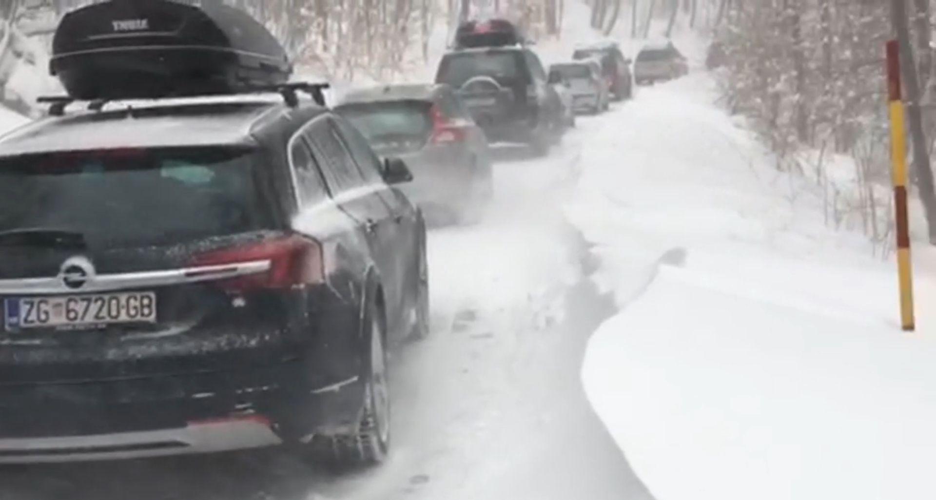 Kolona automobila blokirana na Sljemenskoj cesti