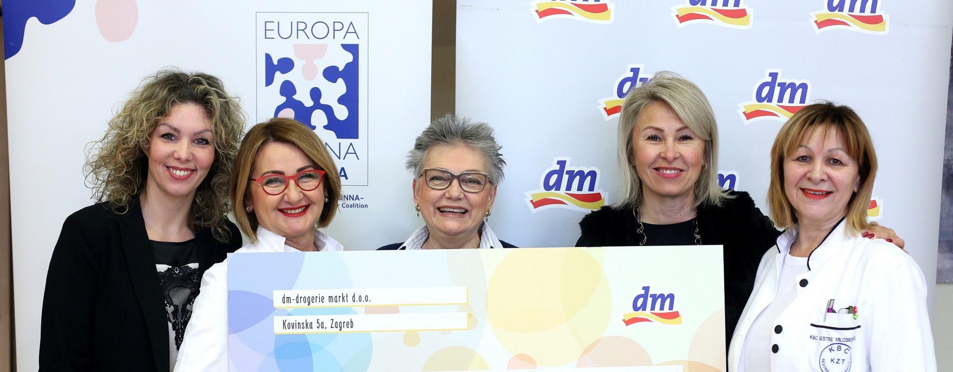 dm drogerie markt uručio donaciju Udruzi Europa Donna Hrvatska