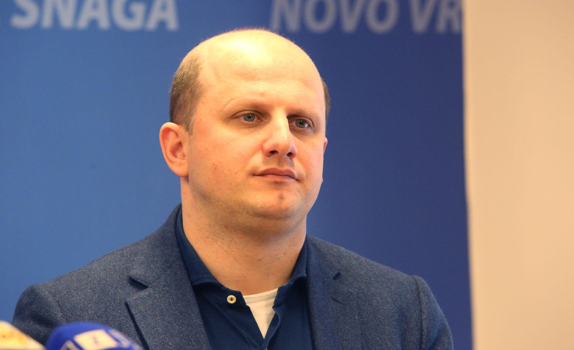 'Valjda ćemo tijekom rasprave saznati da je i Stjepan Radić pušio marihuanu'