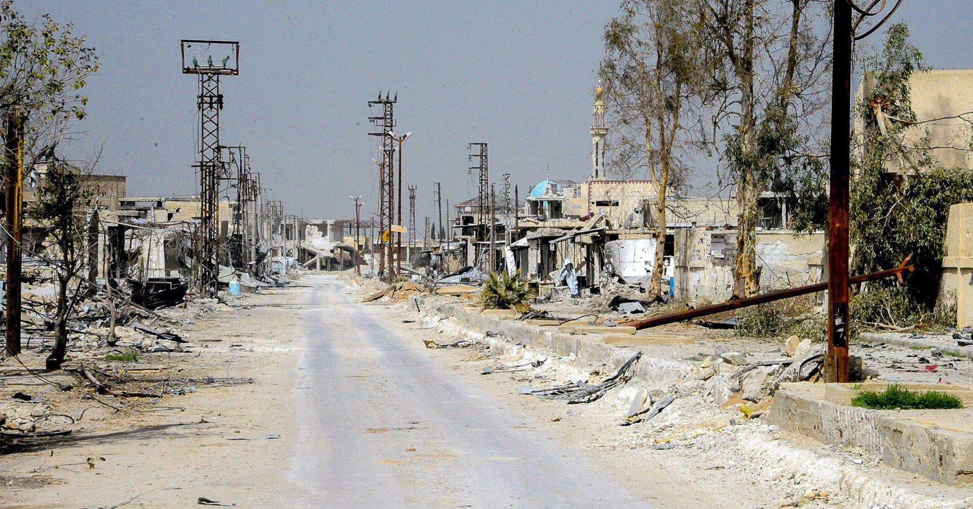 Pobunjenici evakuirali pretposljednje uporište u Guti