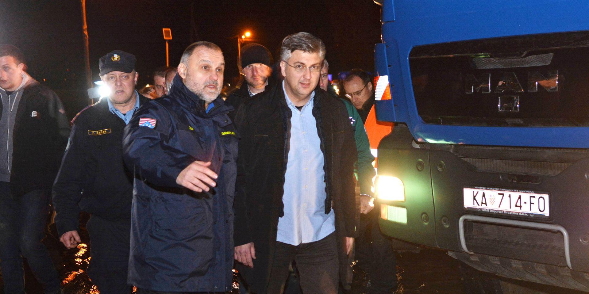 Plenković i Krstičević stižu u Hrvatsku Kostajnicu