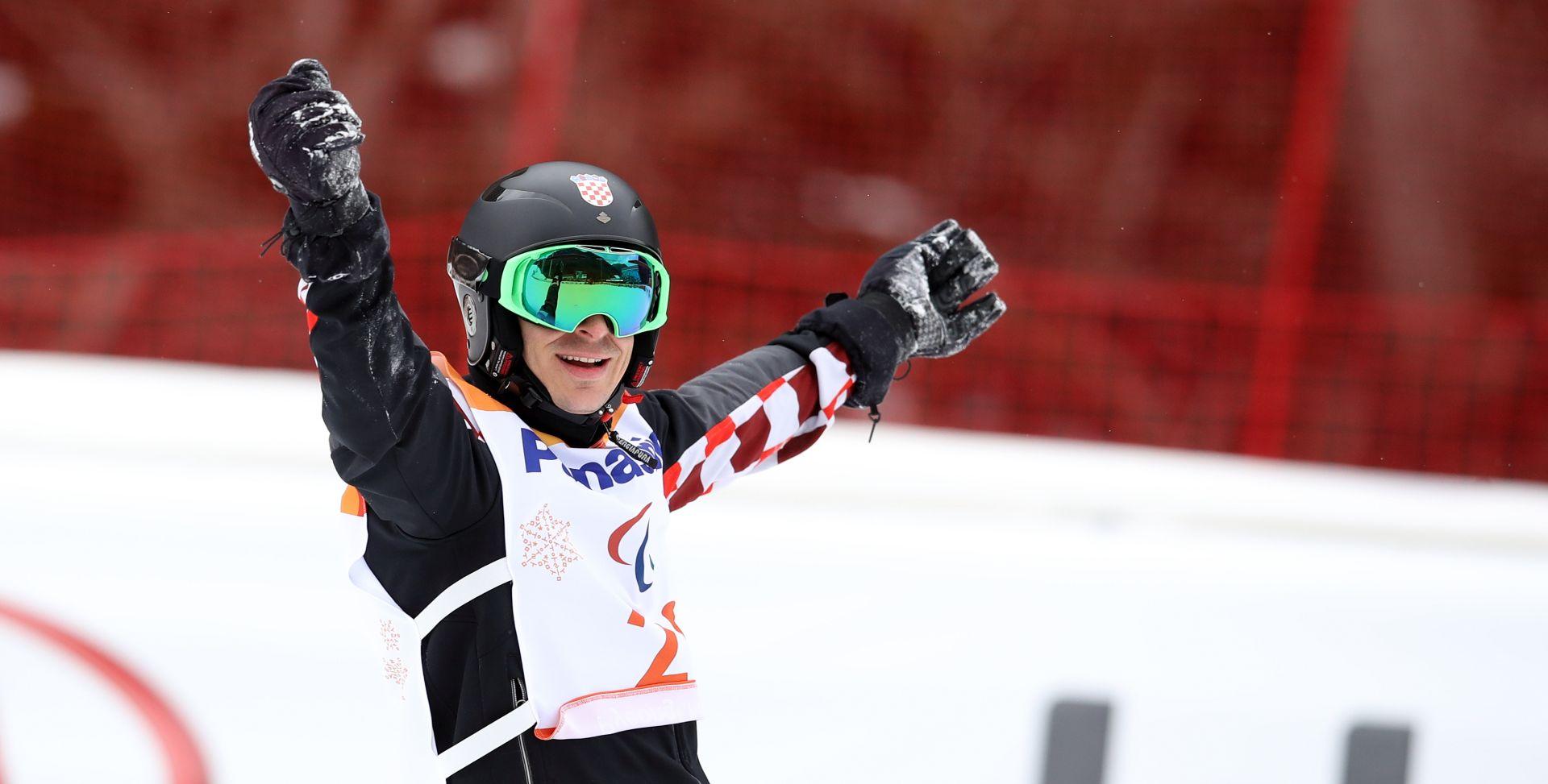 Bruno Bošnjak brončani u snowboardu, prva hrvatska medalja na ZPOI