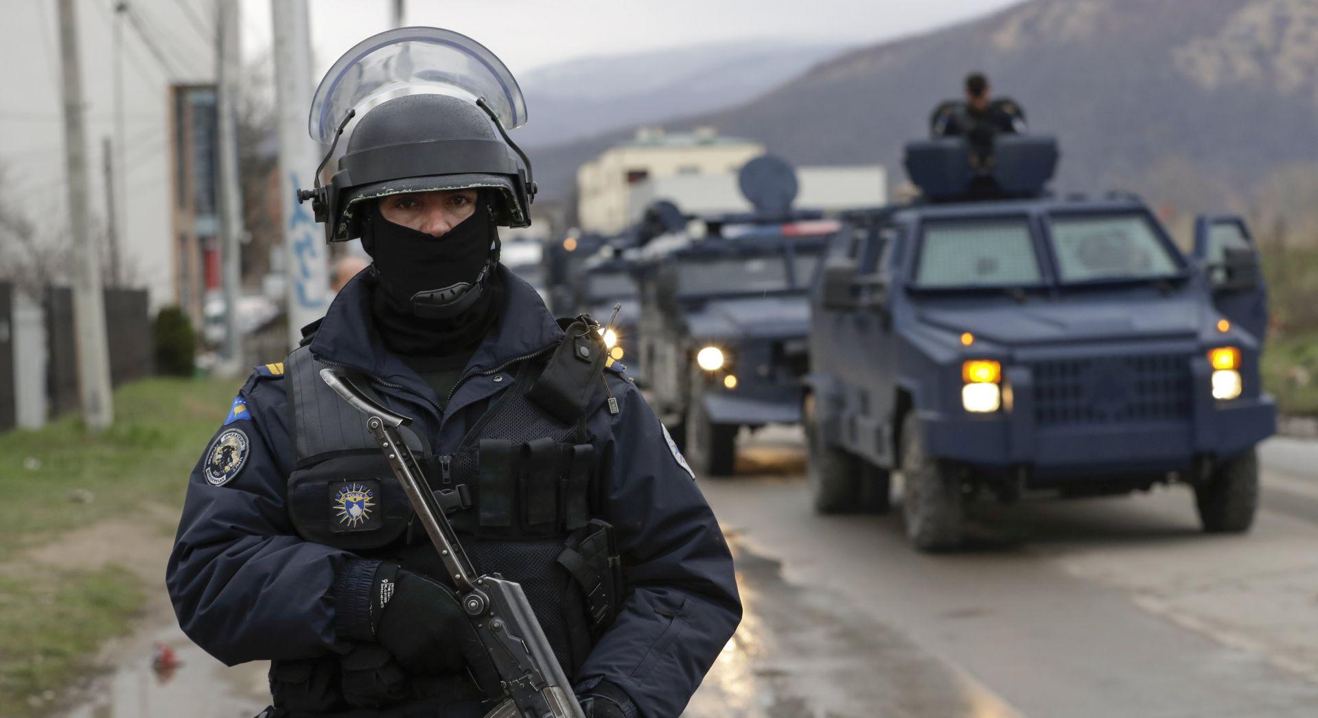 Policija zaustavila Vučića na cesti za selo Banje, Haradinaj potvrdio zabranu