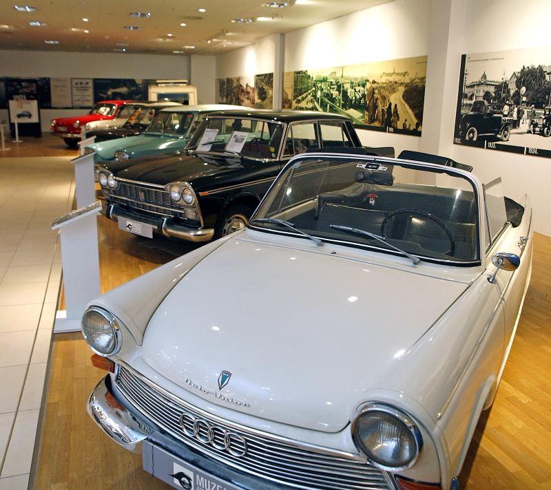 FOTO: Muzej automobila Ferdinand Budicki otvoren u Westgateu