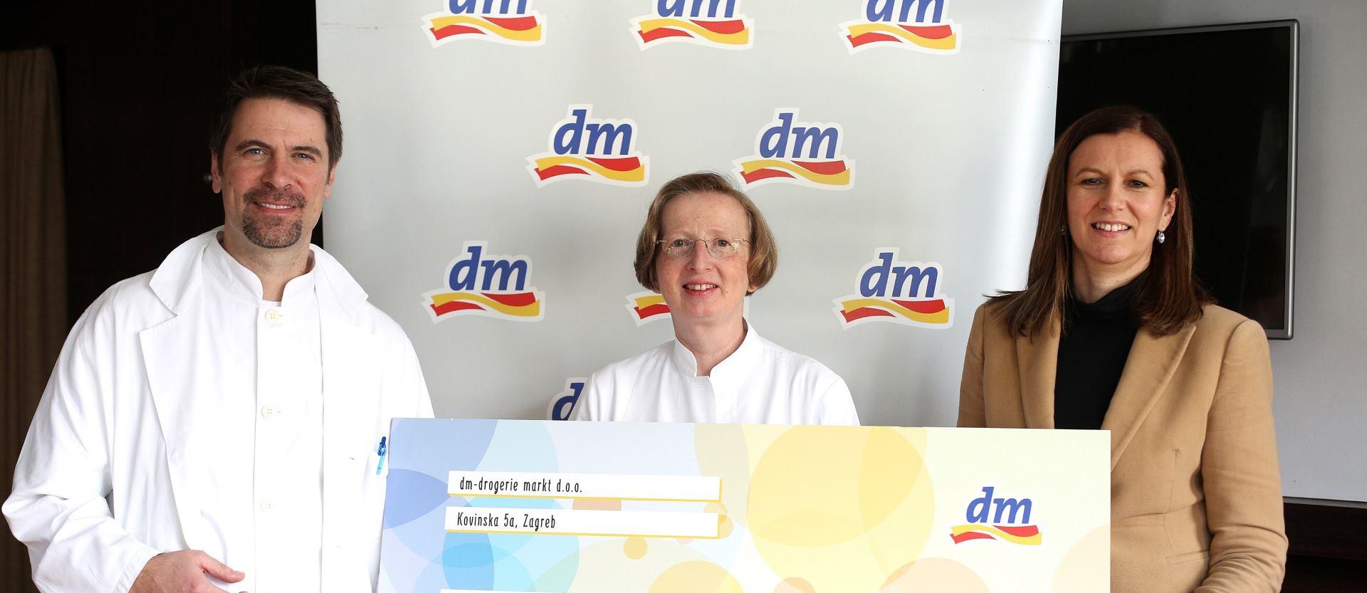Donacija dm-a Klinici za infektivne bolesti 'Dr. Fran Mihaljević'