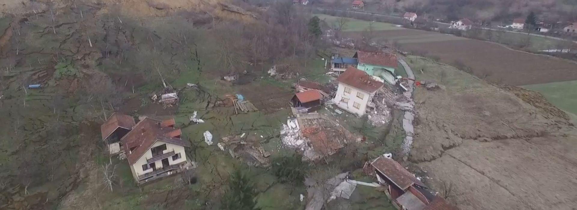 VIDEO: Zbog odrona u Hrvatskoj Kostajnici urušeno desetak kuća