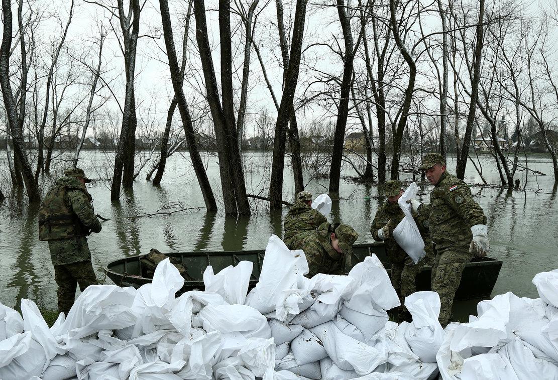 JASENOVAC Vojska i amfibije u obrani od poplava