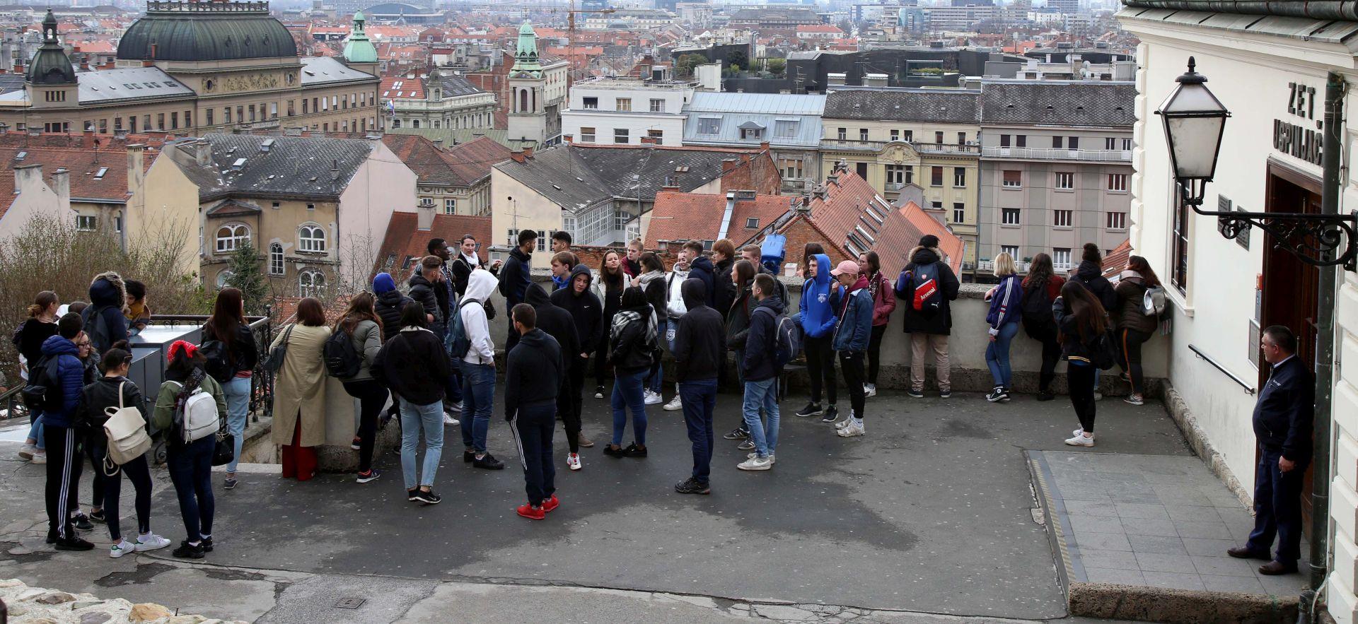 U ožujku oko 30 posto više turista i noćenja