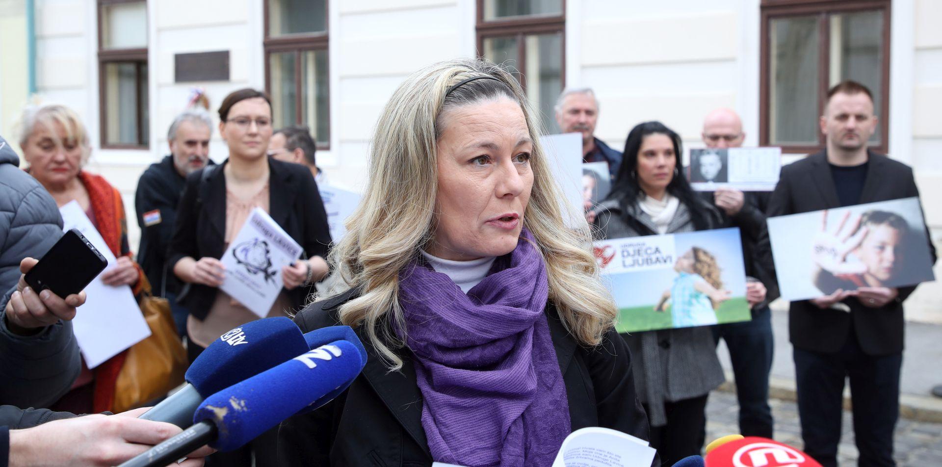 Udruge protiv navodnog institucionaliziranja pedofilije u školama