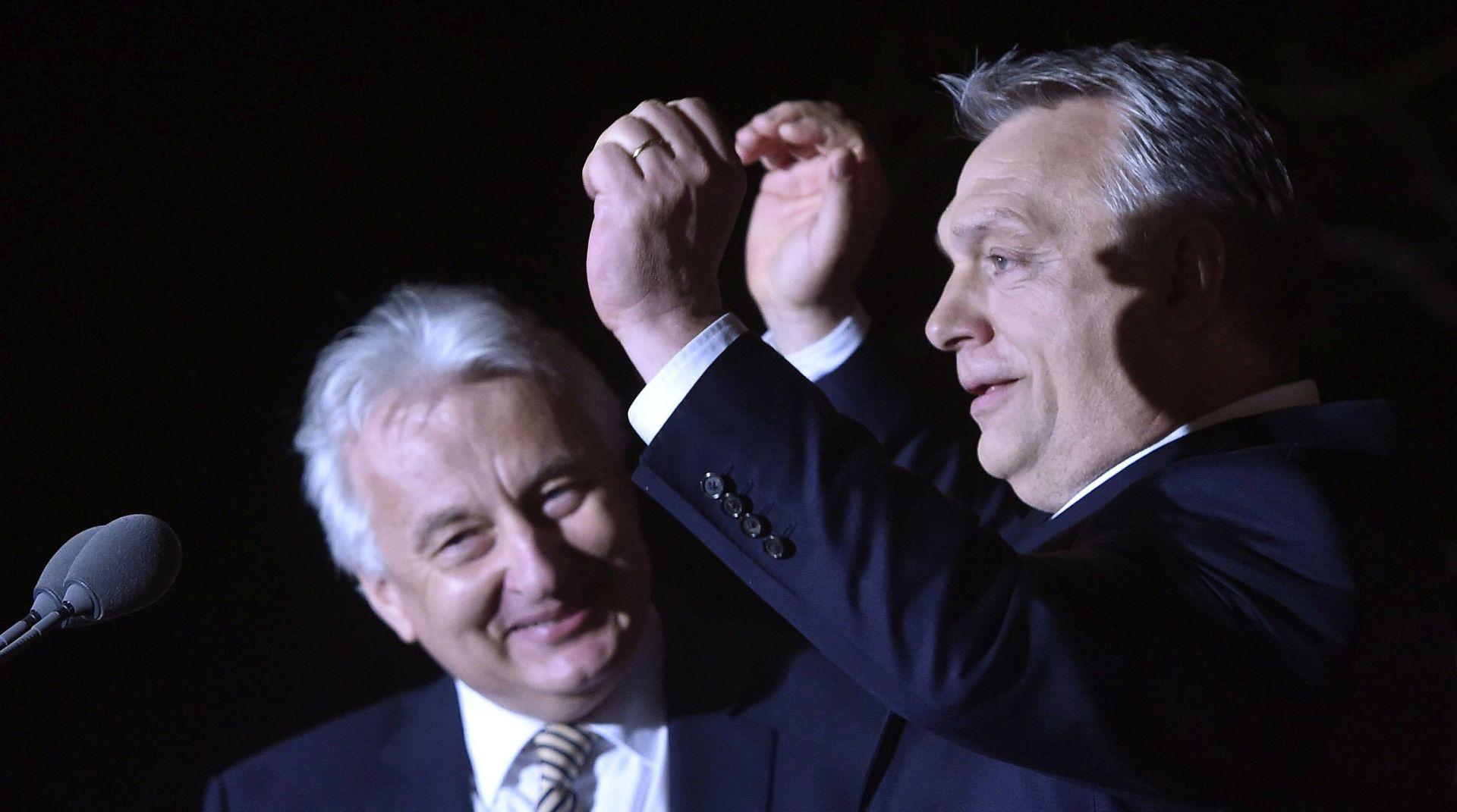 Orbanu i Fideszu čestitke iz EPP-a, kritike socijaldemokrata i zelenih