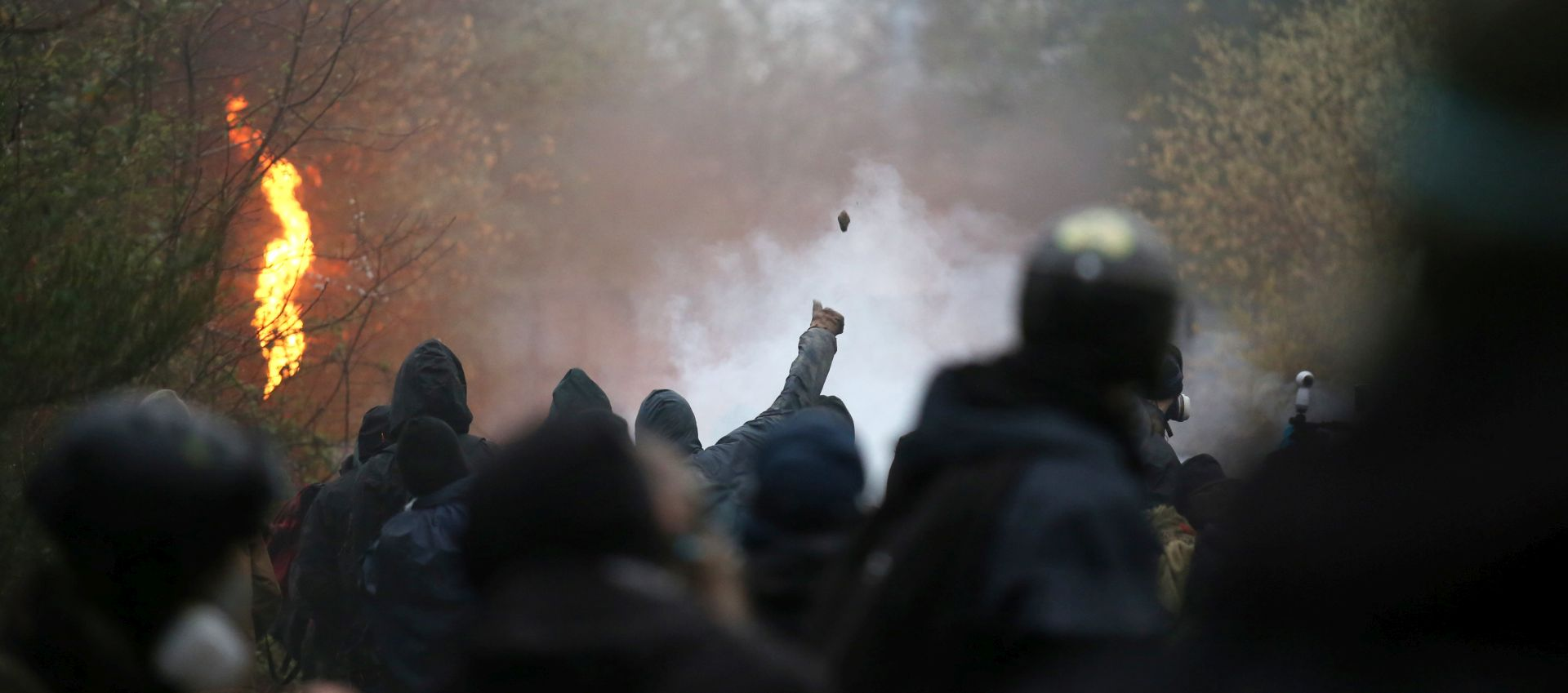 Francuska policija evakuira aktiviste i anarhiste, izbili sukobi