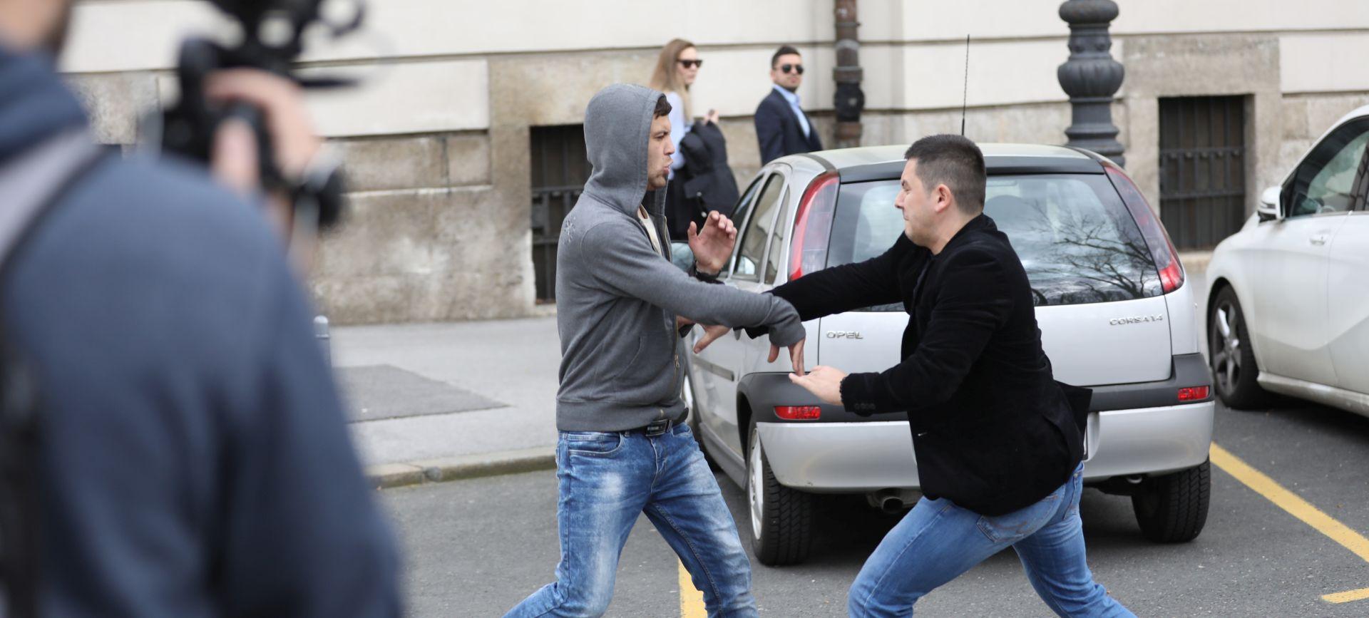 Incident ispred suda nakon izricanja presude Komšiću