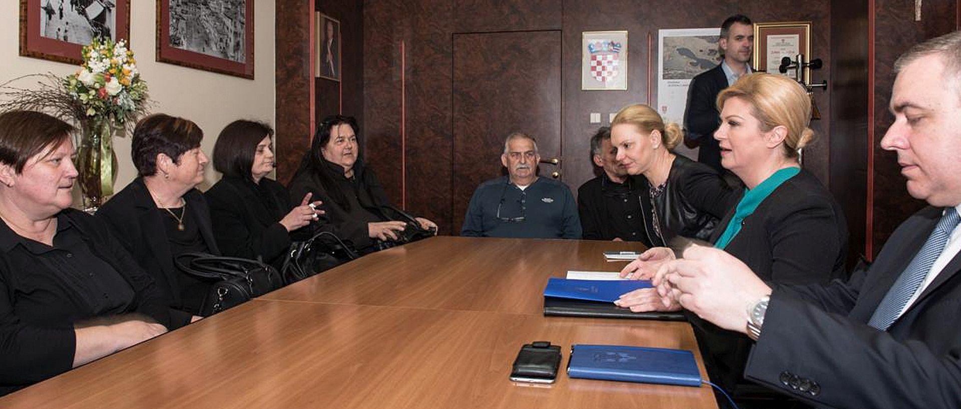 Predsjednica se sastala s obiteljima poginulih vatrogasaca